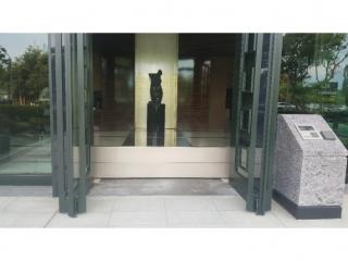 台北關渡大樓出入口鋁合金防水閘門