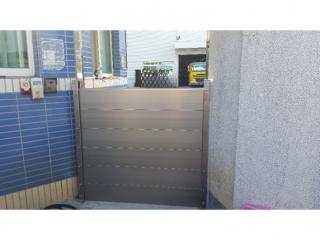 高雄岡山鋼鐵廠小門鋁合金擋水閘門