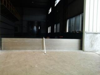 高雄化工廠廠房出入口擋水閘門